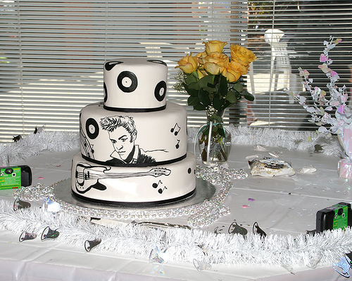 Elvis Wedding Cake Rockabelle Bombshell